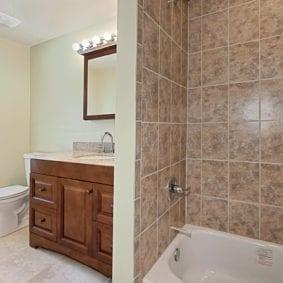 Bathroom shower - 86 St. Francis